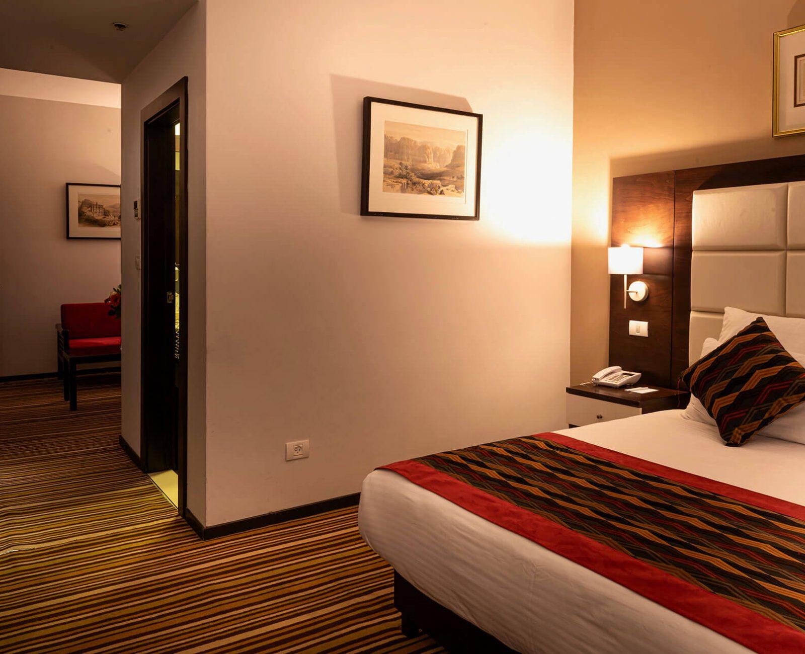 City-hotel_Suite-(1)