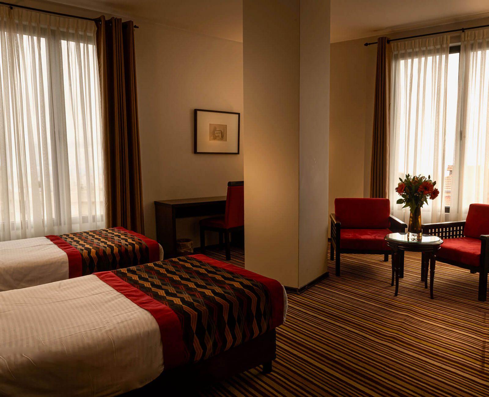 City-hotel_Superior-Room-(4)