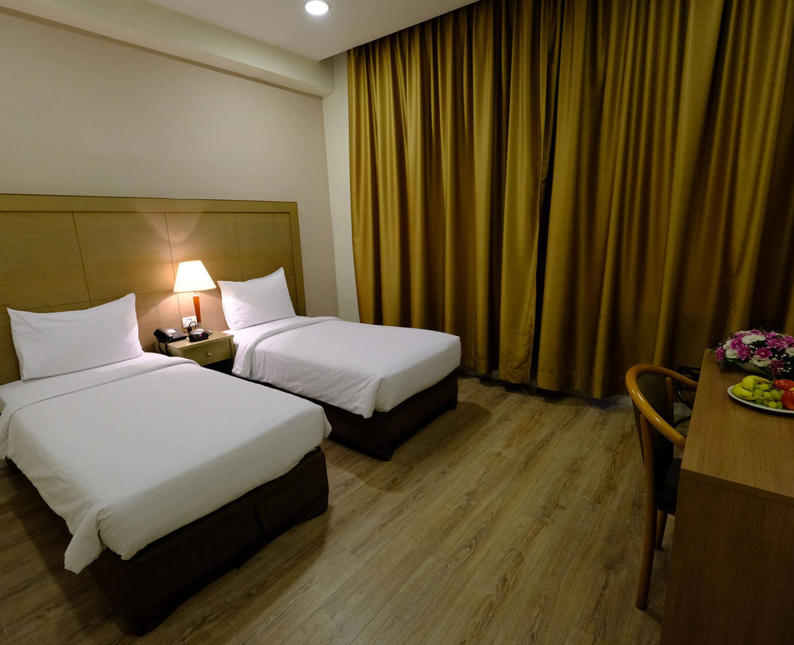 Ritz hotel_Standard Twin Room (2)