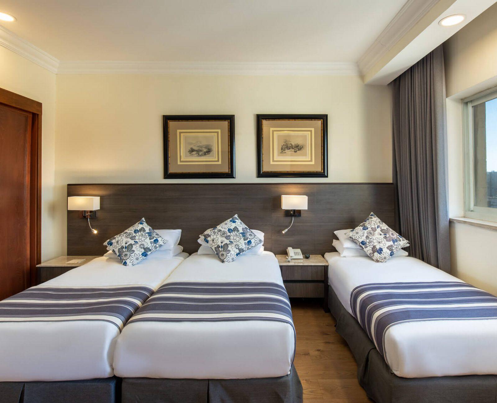 Standard triple room(2)