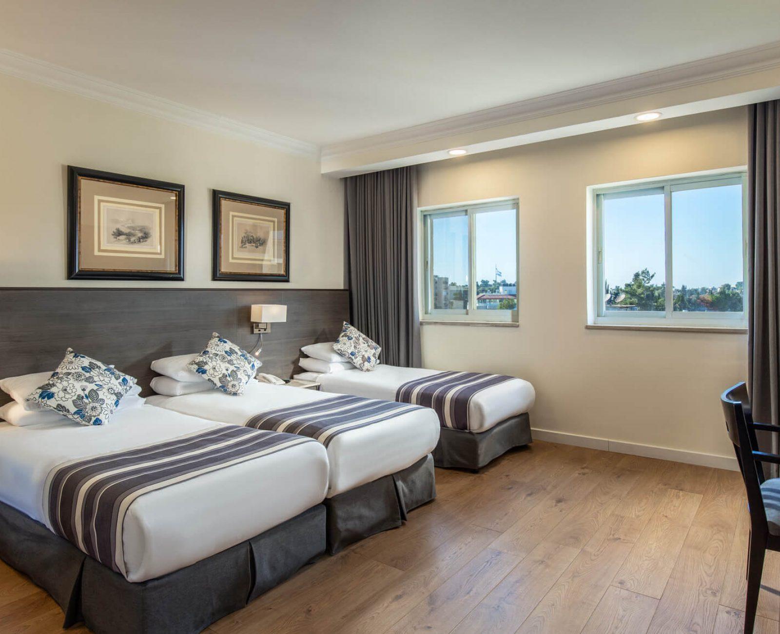 Standard triple room(3)