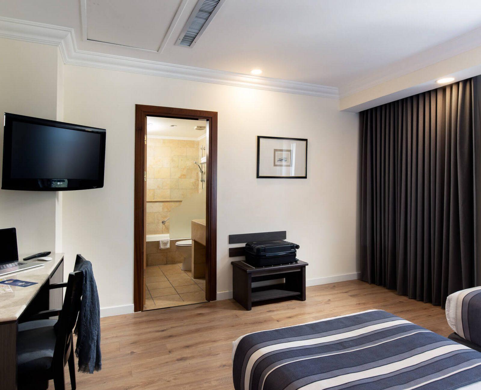 Standard twin room(2)